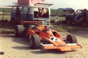 lola_T332_HU40_thruxton_1974